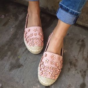 Shoes - 🆕️//The Audrey// Pink espadrille